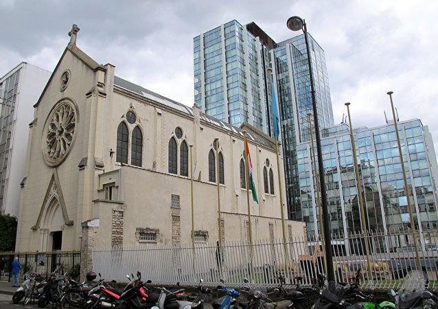 Extérieur de l'église Sainte-Rita de Paris.