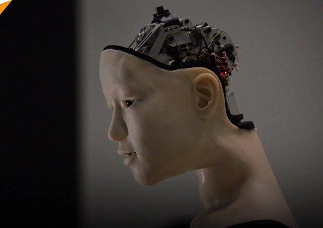 Alter, robot humanoïde pas comme les autres