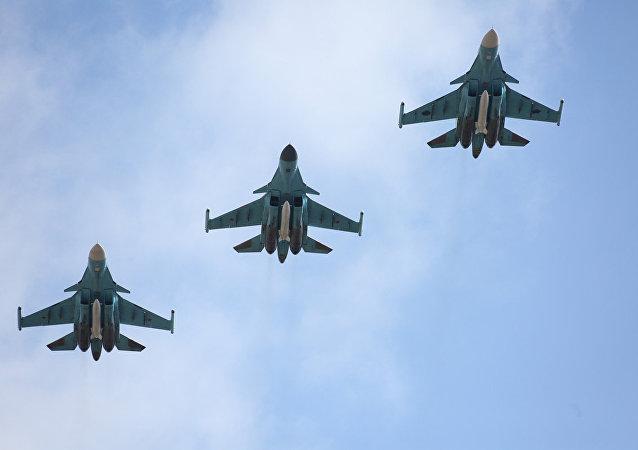 Des avions Su-34