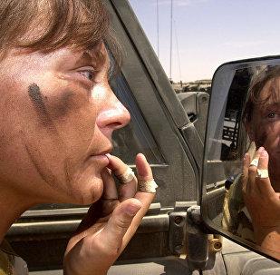 Royaume-Uni, militaires femme