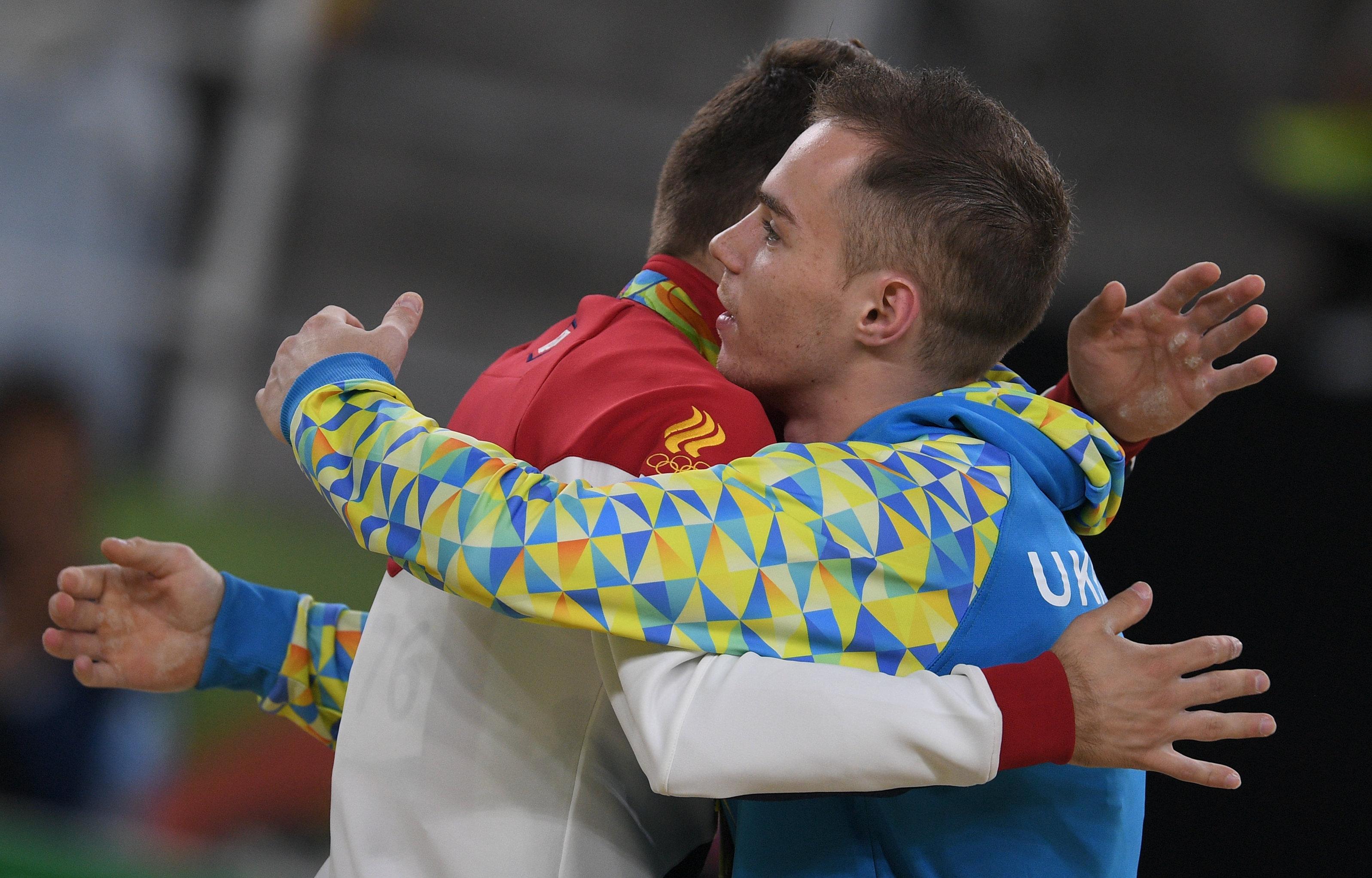 L'Ukrainien Oleg Verniaiev et le Russe David Belyavskiy