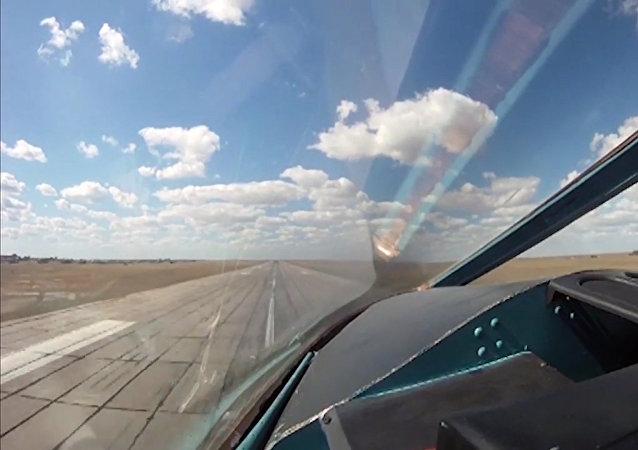 Après avoir accompli leur tâche, les avions russes quittent la base Hamadan en Iran