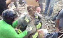 Miraculée: une fillette de 10 ans retrouvée sous les décombres en Italie