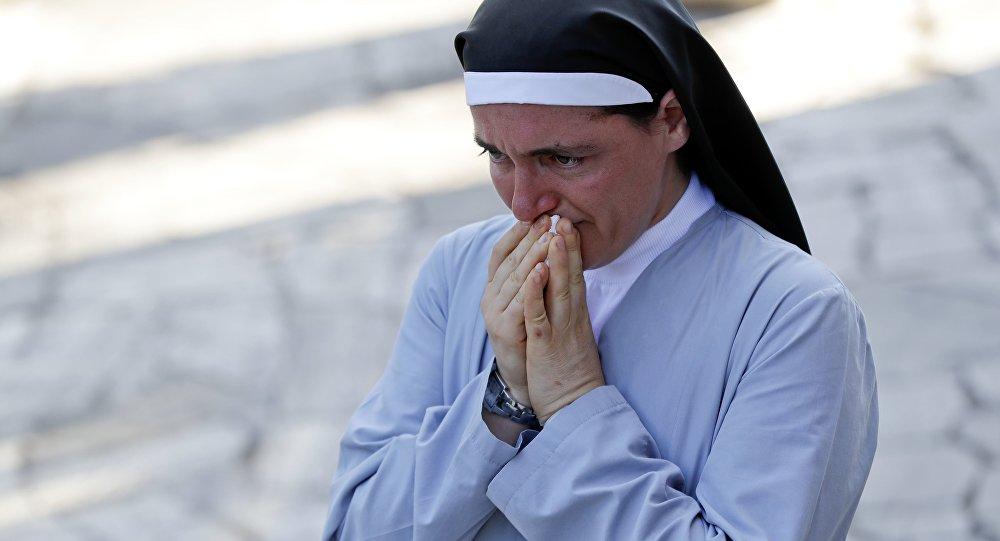 Séisme en Italie: une religieuse miraculeusement sauvée