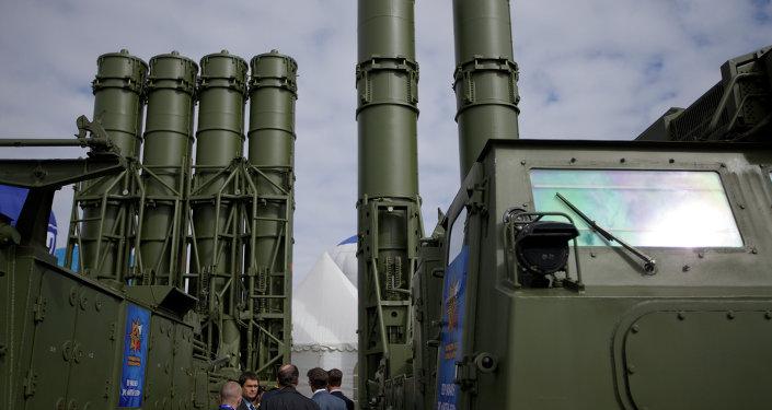 Les USA vont-ils changer de stratégie en Syrie en raison des S-300 russes?