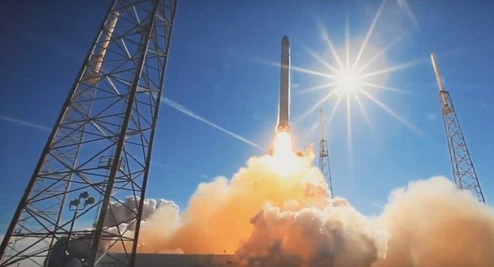Une fusée Falcon 9