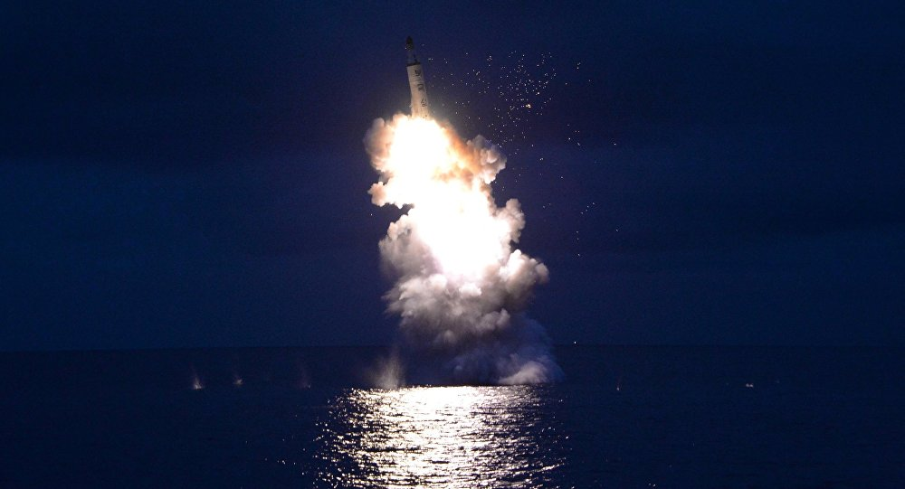 Le tir d'essai d'un missile balistique depuis un sous-marin nord-coréen