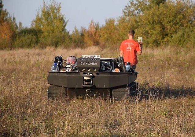 Un camion-robot pour les parachutistes russes