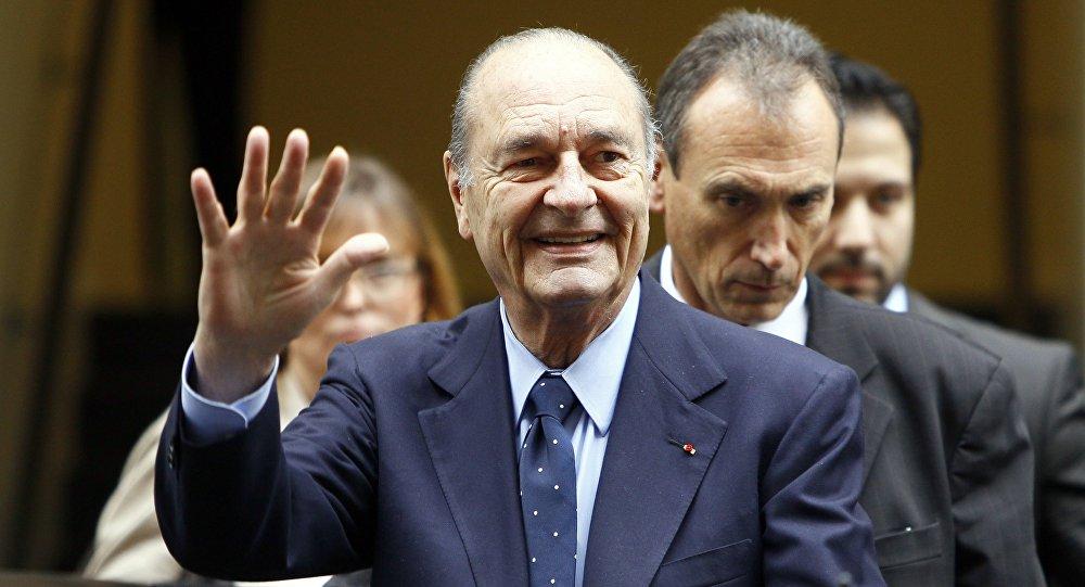 Quand Jacques Chirac offrait ses costumes à des migrants