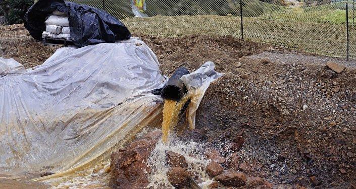 L'injection d'eau dans les puits industriels du Texas. Archive photo