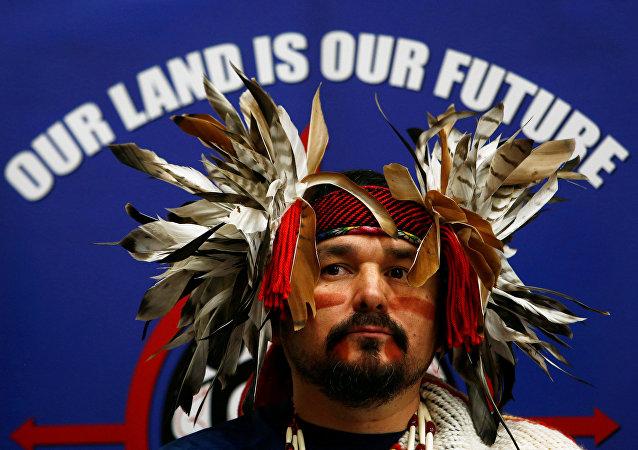 les Sioux et autres tribus amérindiennes s'unissent contre un oléoduc