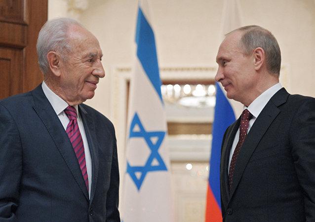 Vladimir Poutine et Shimon Peres