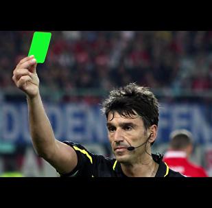 Un carton vert pour sauver l'esprit du foot