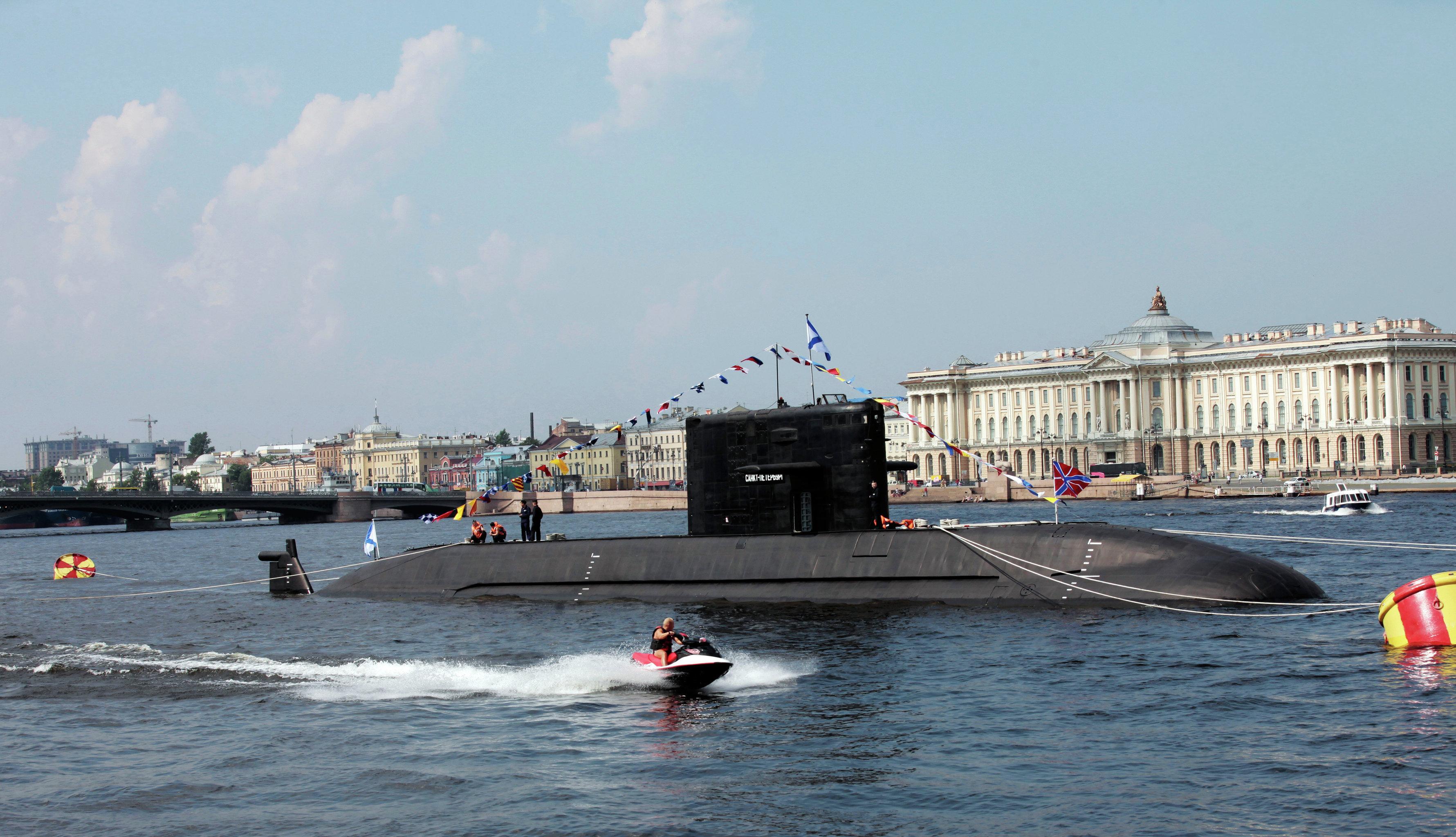Un sous-marin du projet 677
