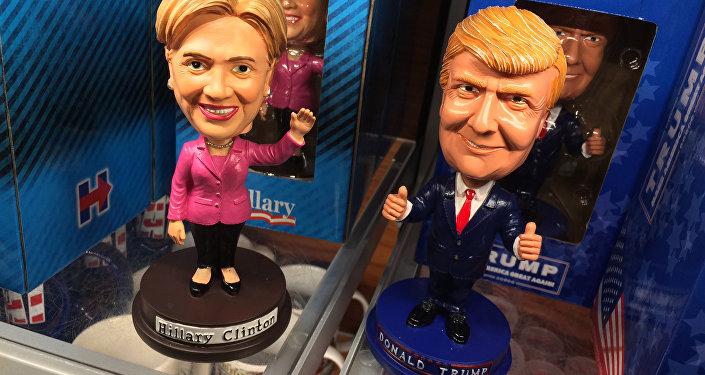 Les poupées de Trump et Clinton