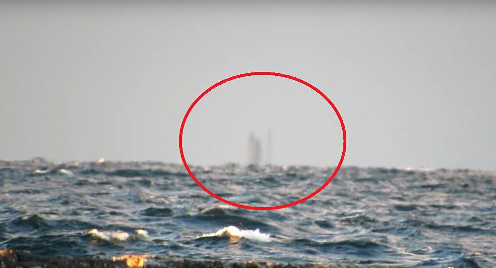 Un bateau fantôme intrigue les internautes