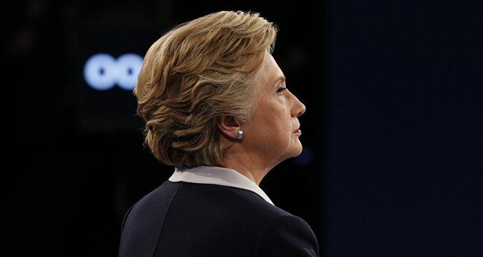 Les Américains sont-ils capables de distinguer les propos de Clinton de ceux de dictateurs?