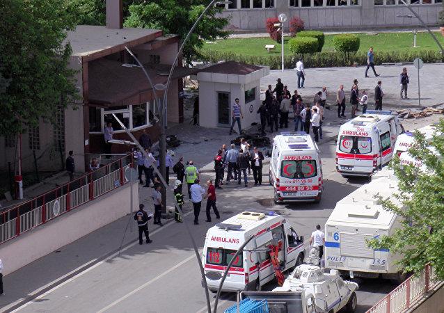 Sur les lieux d'une explosion à Gaziantep