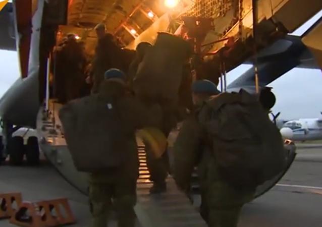 Des parachutistes russes en Afrique pour des manœuvres conjointes avec l'Égypte