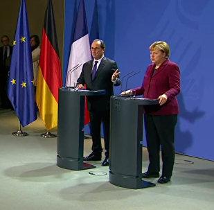 Conférence de presse Hollande-Merkel après les entretiens de Berlin sur la Syrie