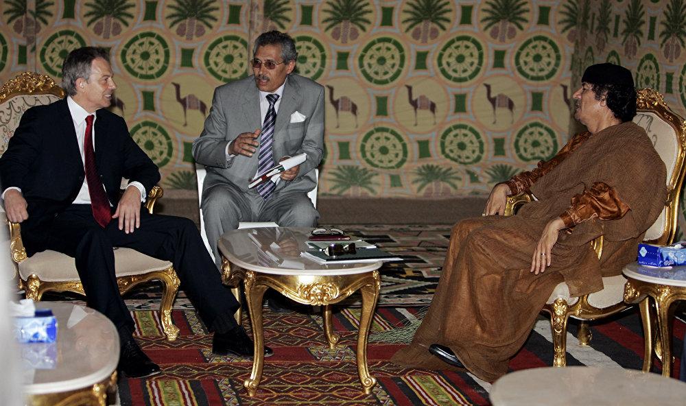 La vie et les rencontres de Mouammar Kadhafi