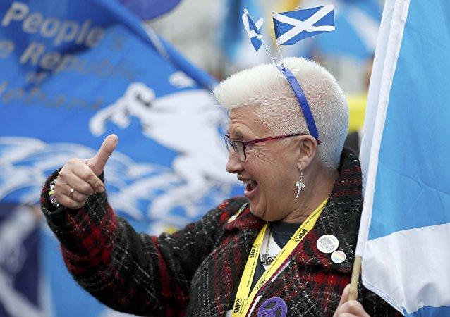Une Ecossaise salue l'idée de l'indépendance