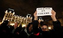 La police française proteste