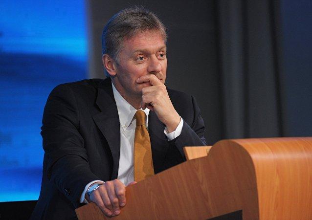 Le Kremlin va prendre des mesures de stabilisation du marché des devises (Peskov)