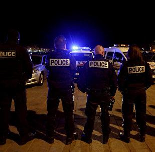 Le viol: nouvelle technique d'immobilisation de la police française