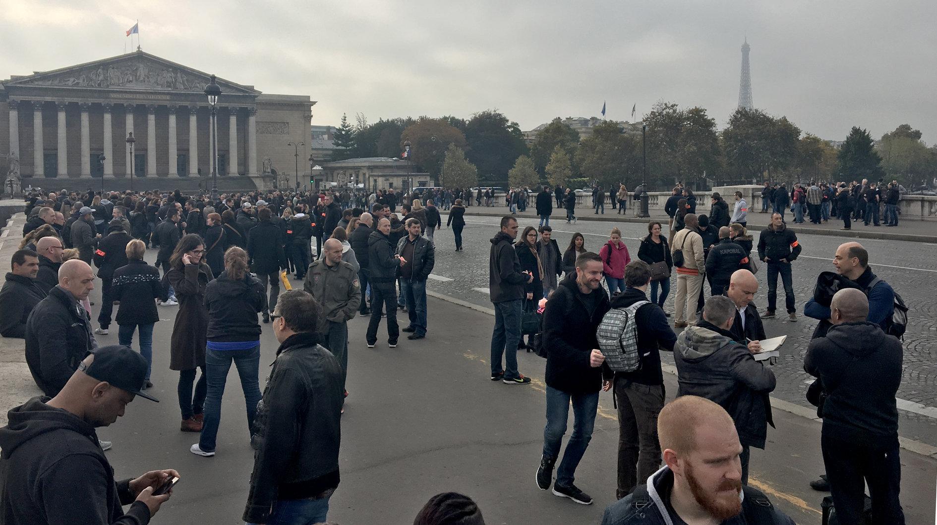 Manifestation de policiers à Paris, le 26 octobre 2016