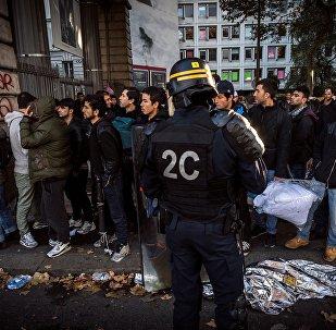 Des manifestants au quartier de Stalingrad à Paris
