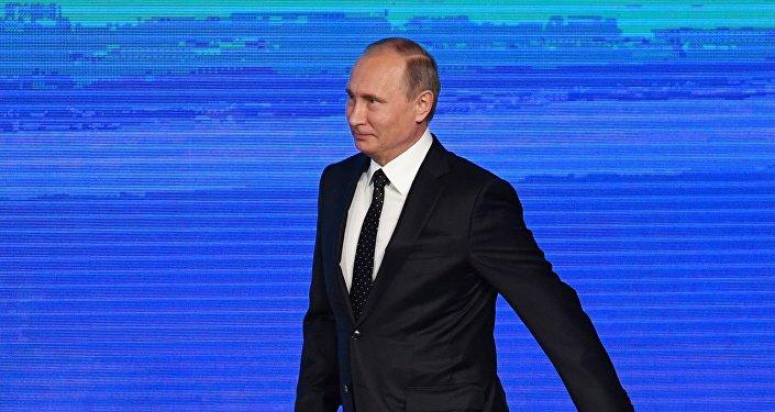 Poutine félicite Trump pour sa victoire et espère un «dialogue constructif»
