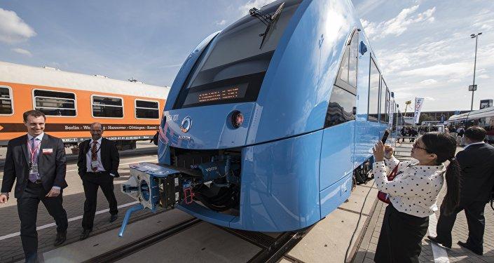 iLint train