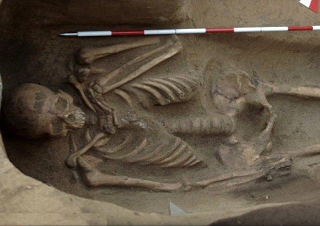 Un squelette étrusque retrouvé enchaîné en Italie