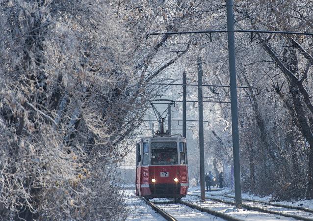 Un tram en hiver