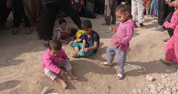 De petits réfugiés de Mossoul