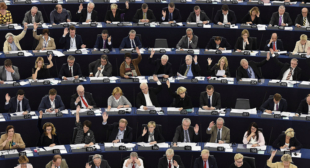 Quand le président du Parlement européen dérape sur Benito Mussolini
