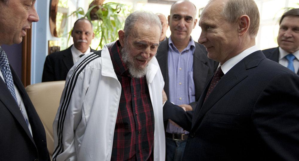 Poutine: Fidel «restera pour toujours dans le cœur des Russes»