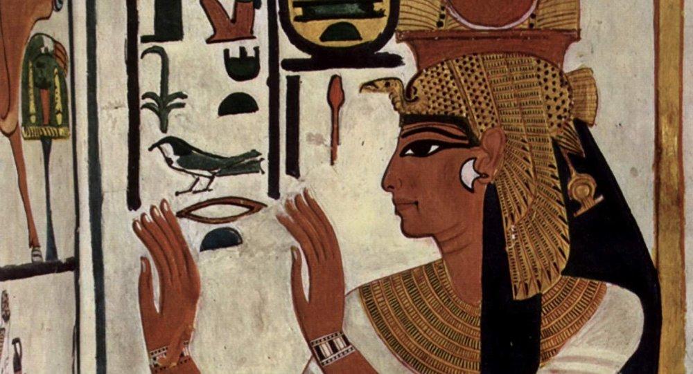 Néfertari sur la paroi de son tombeau.