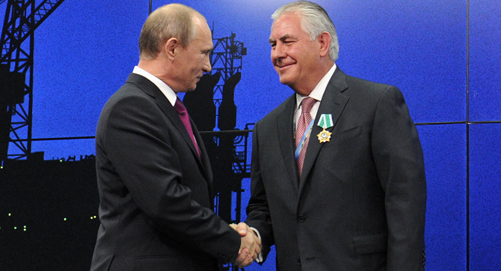 Vladimir Poutine et Rex Tillerson