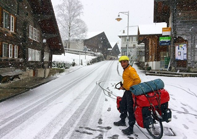 Un Iranien fait 1.000 km à vélo d'une traite pour la planète