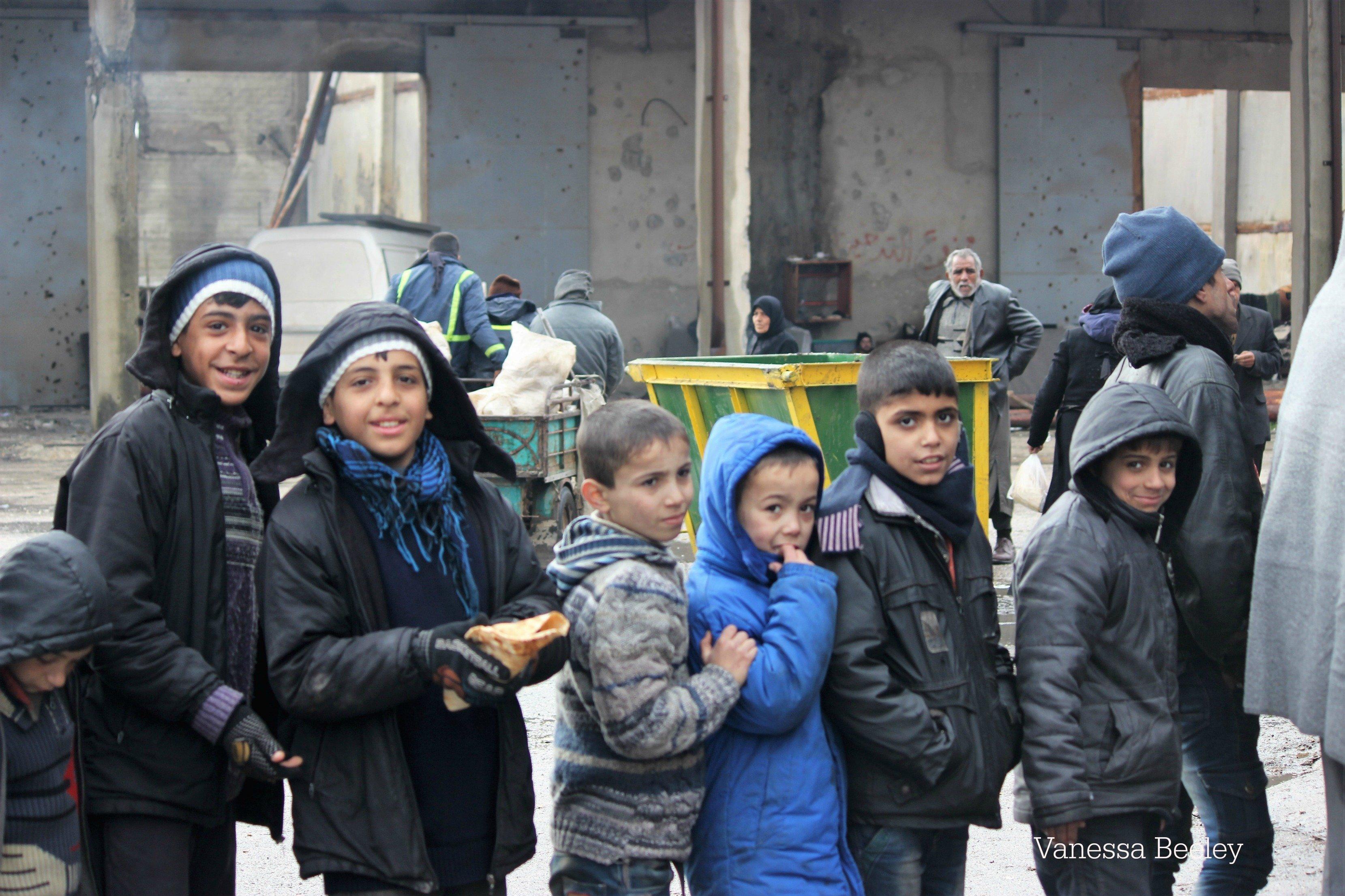 Des enfants à Alep récemment libérée