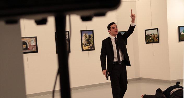 Ambassadeur tué à Ankara: le meurtrier avait assuré la protection de l'ambassade russe