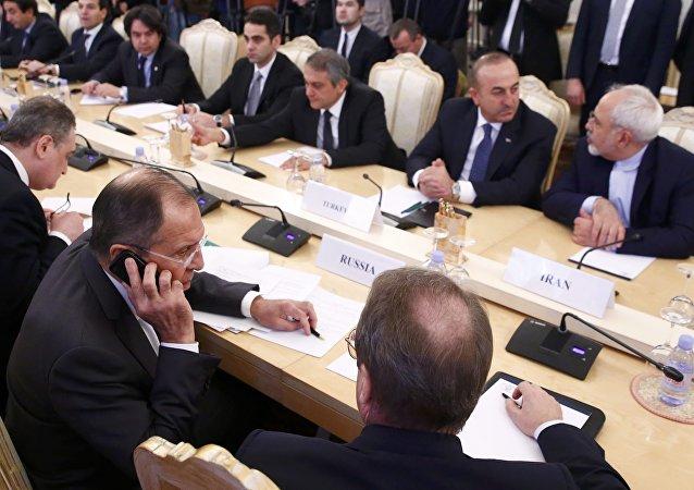 Moscou, Ankara et Téhéran prêts à se porter garants des efforts de paix en Syrie