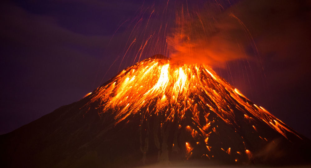 Une éruption de volcan