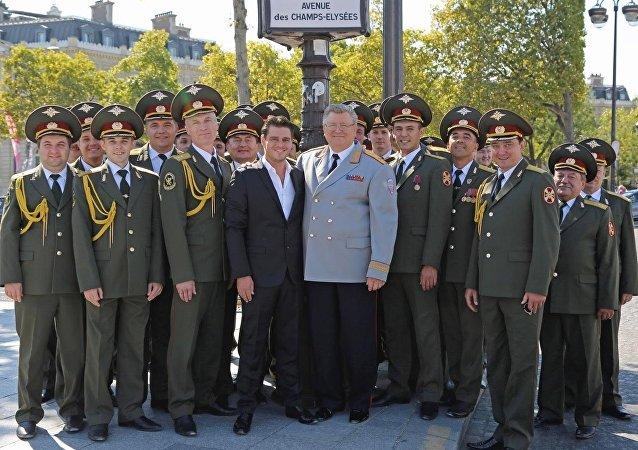 Julien Dassin et les Chœurs de l'Armée rouge