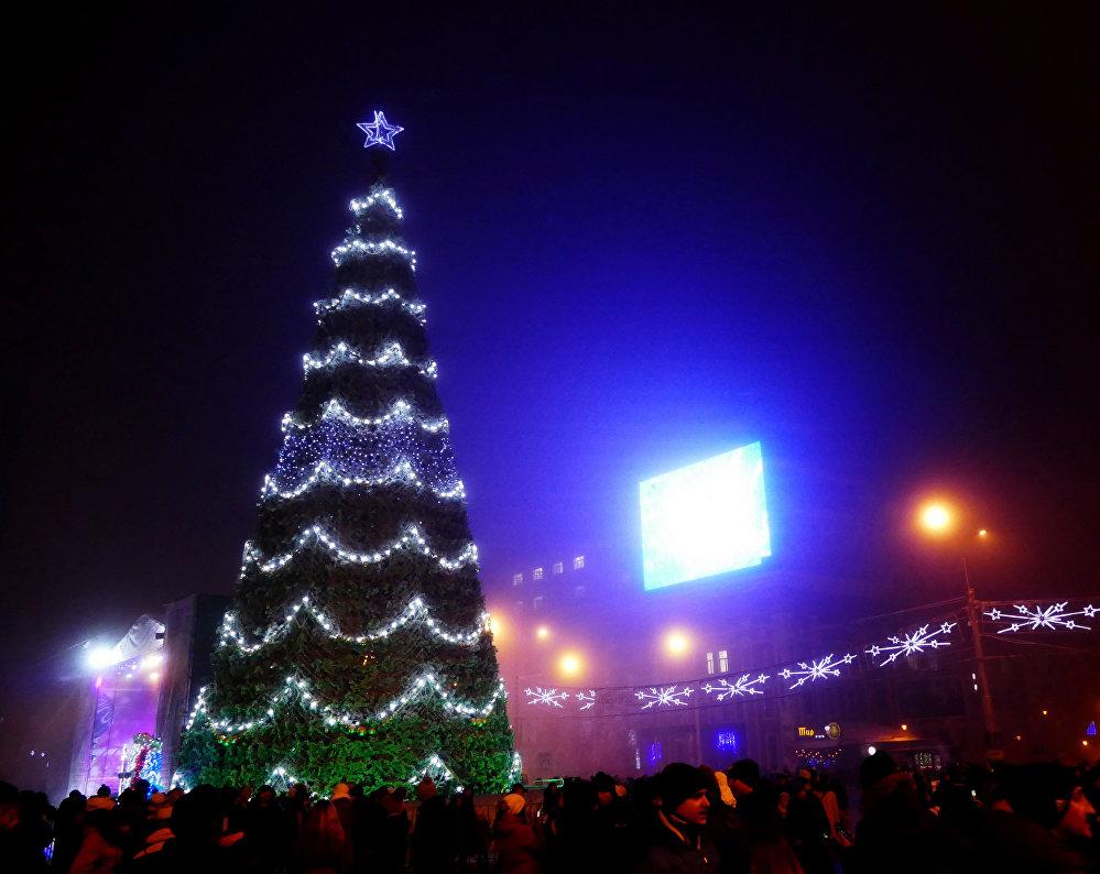Un sapin de Noël sur la Potsdamer Platz, à Berlin