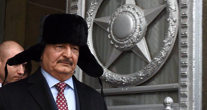 Khalifa Haftar lors d'une visite à Moscou, novembre 2016