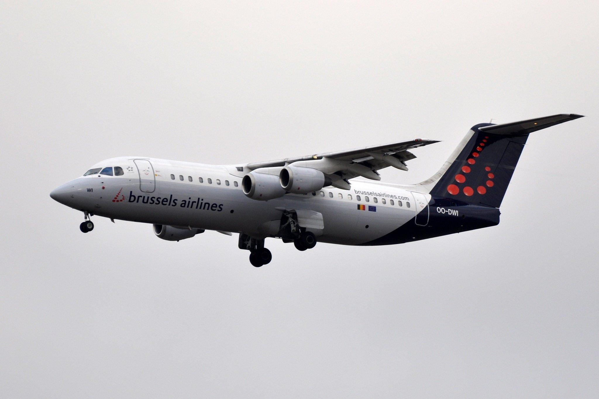 BAE 146 / AVRO RJ 100