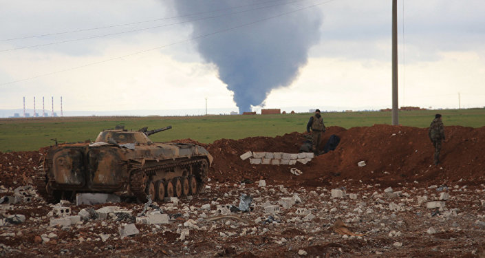 Les positions des forces de l'armée gouvernementale syrienne près de la ville d'Al-Bab, dans l'est de la province d'Alep, le 24 janvier 2016